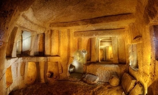 подземен храм малта