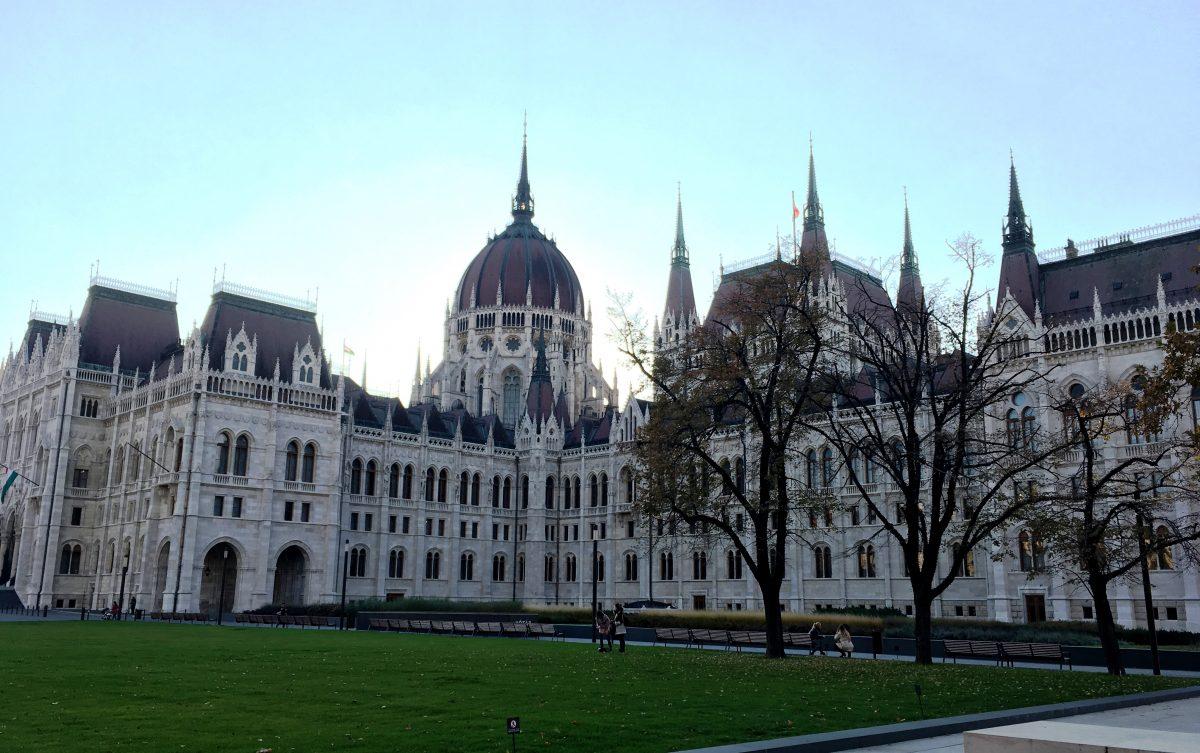 парламент3