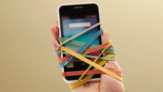 пристрастени към телефоните