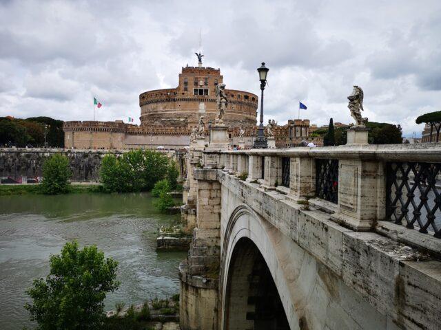 замък Сант'Анджело