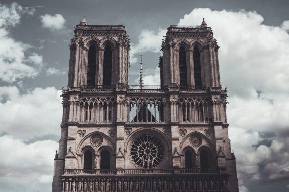 Катедрала-Нотр-Дам