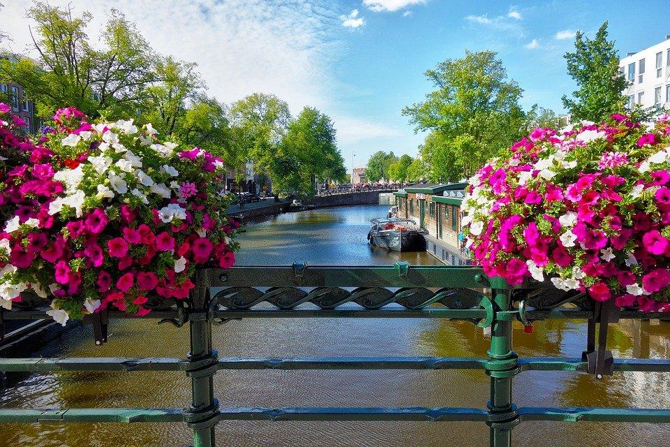 каналите-на-Амстердам