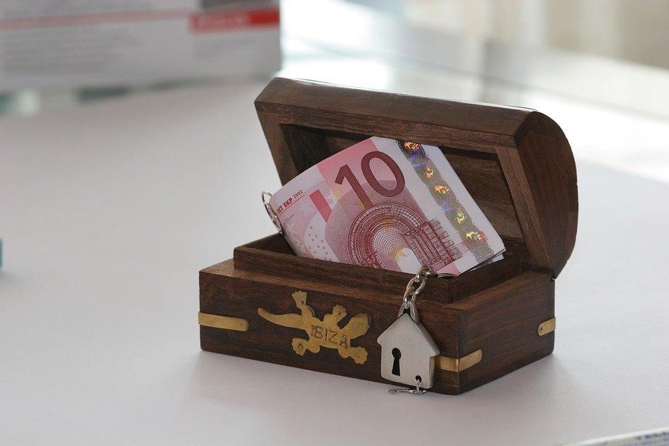 сандъче с пари