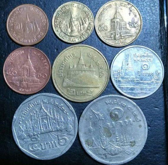 монети в Тайланд