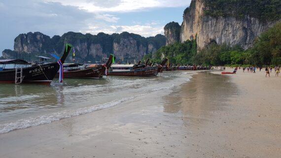krabi-lodki-thailand