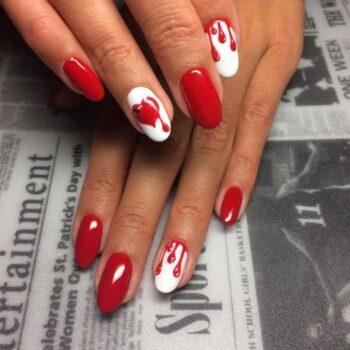 червени нокти сърце