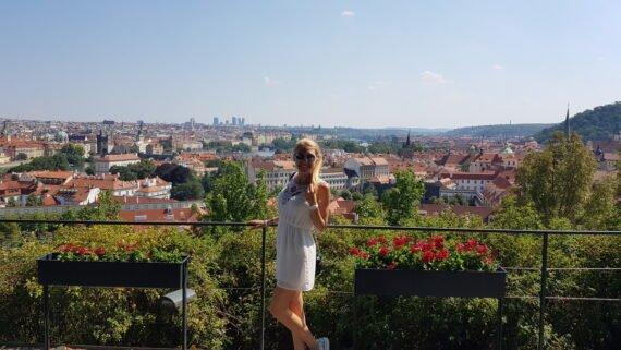 гледка от градините, Прага