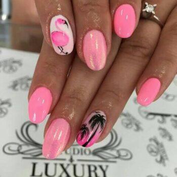 летен маникюр с фламинго