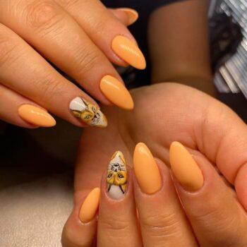 лисички оранжев лак