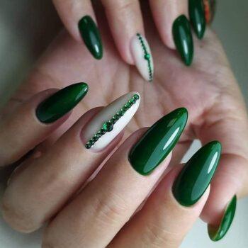 зелени нокти