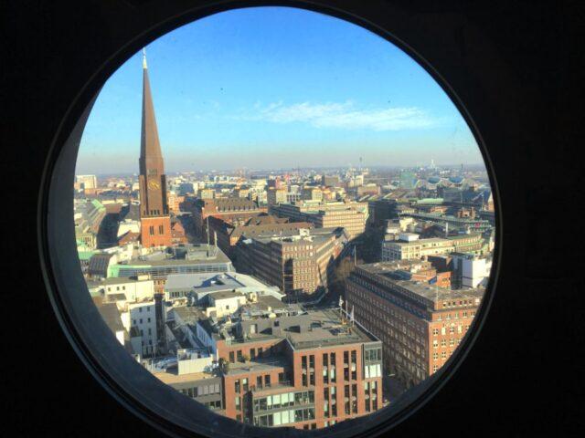гледка от прозорчето на църквата