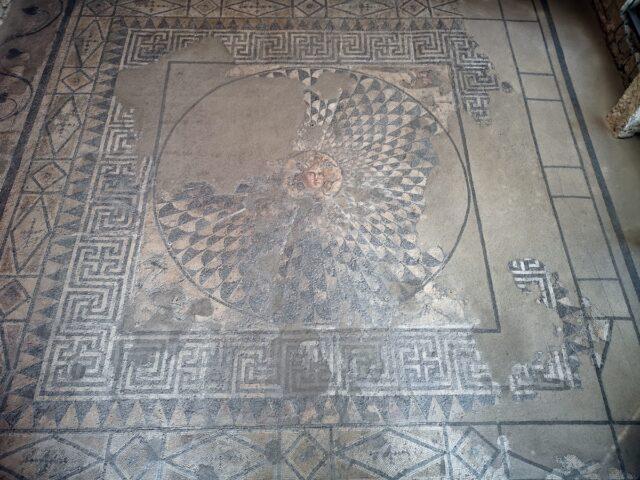 Музей на мозайките в Девня