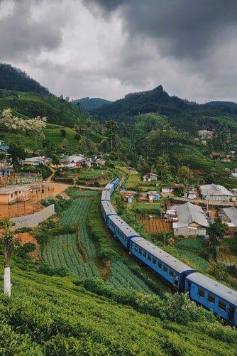 с влак през Шри Ланка