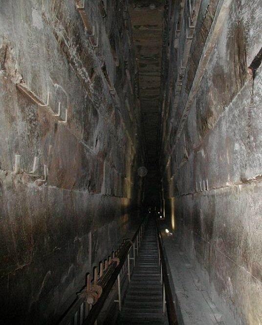 в Хеопсовата пирамида