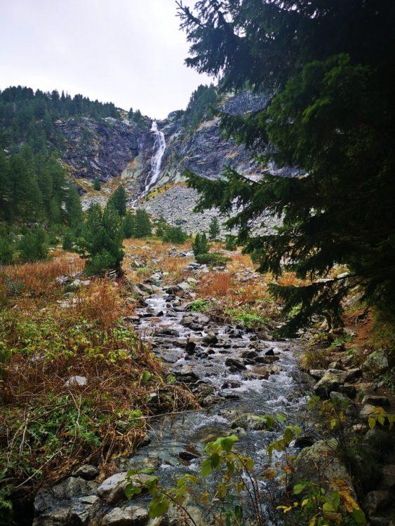 водопад Скакавица отдалеч