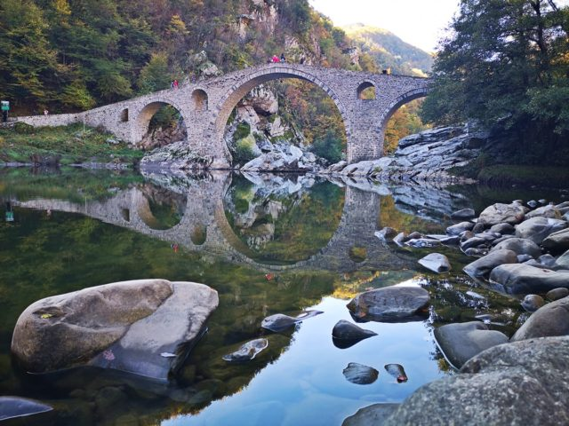 отражение на Дяволския мост