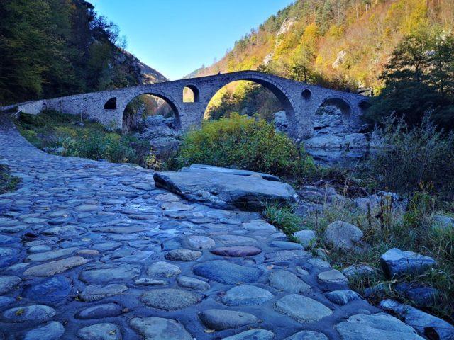 красивият Дяволски мост