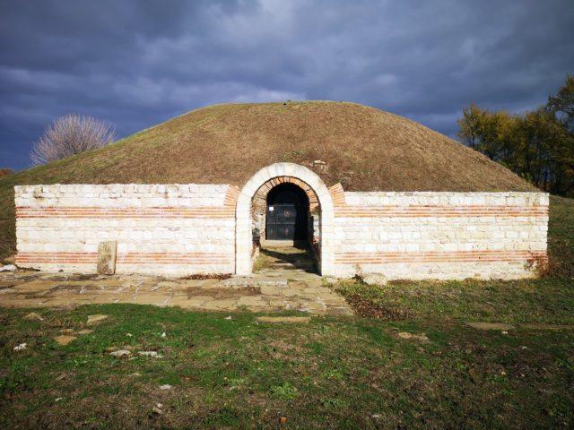 Гробница Кухата могила