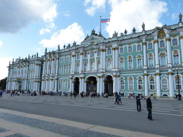 Зимният Дворец Санкт Петербург