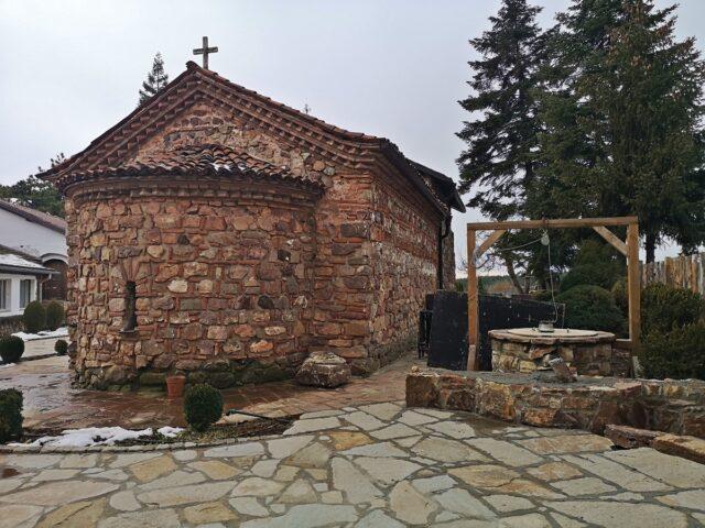 Старата църква Кремиковски манастир
