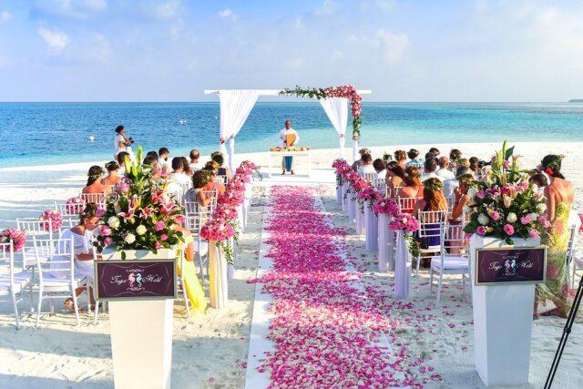 красива сватба на плажа
