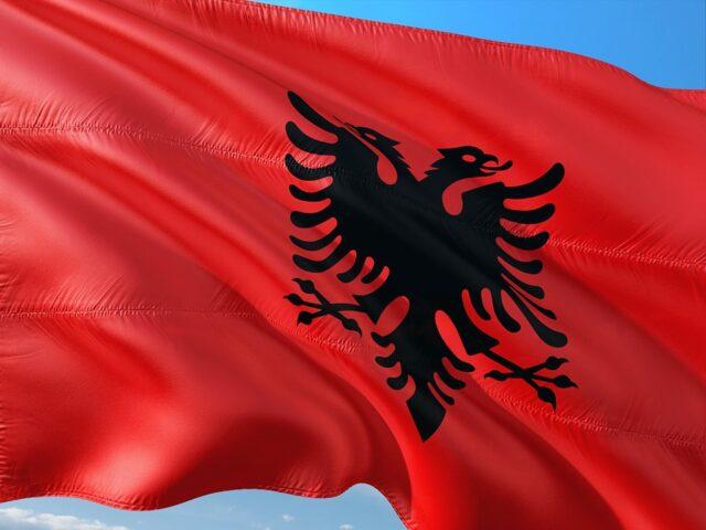 албанско знаме