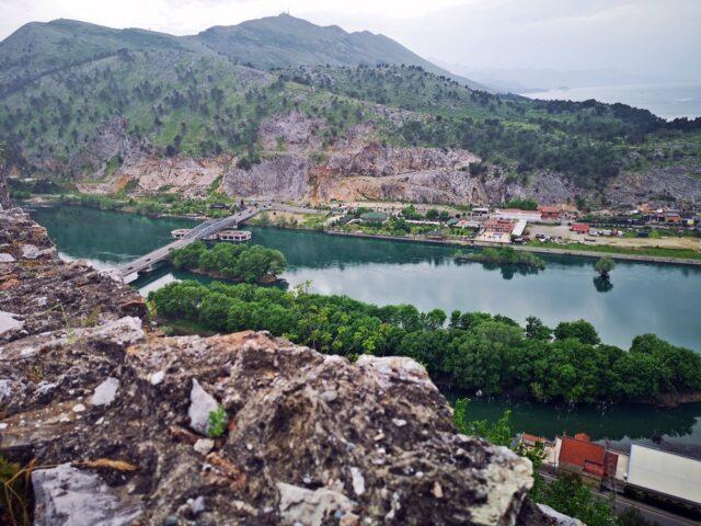 гледка от крепост Розафа