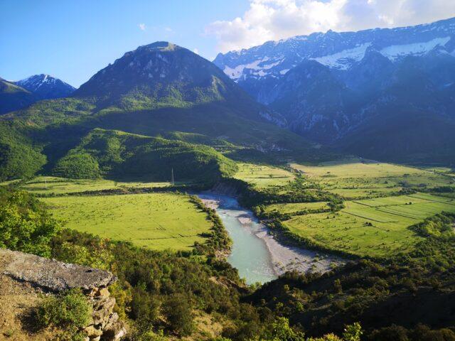 гледки в Албания