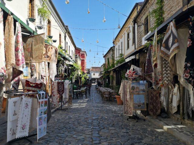 пазар в Корча