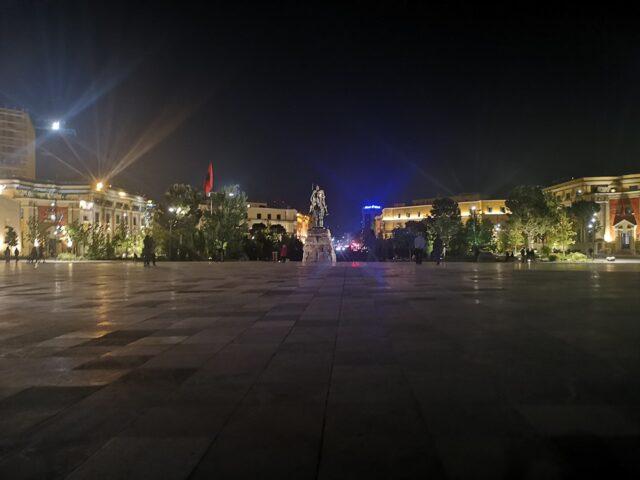 площад Скендерберг Тирана